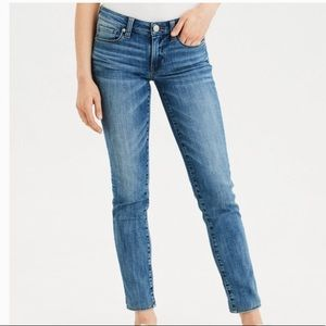 AEO • Blue Skinny Super Stretch Jeans • Size 6